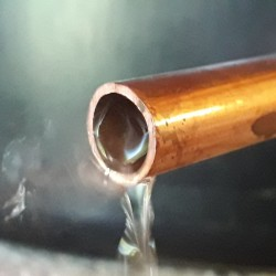 Distillation d'eau de rose